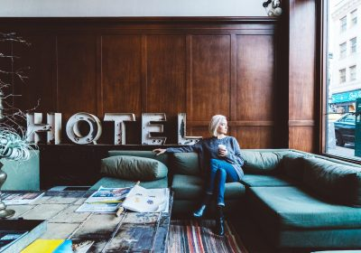 Airbnb (or VRBO) vs Hotels: How to Find the Cheapest Place to Stay